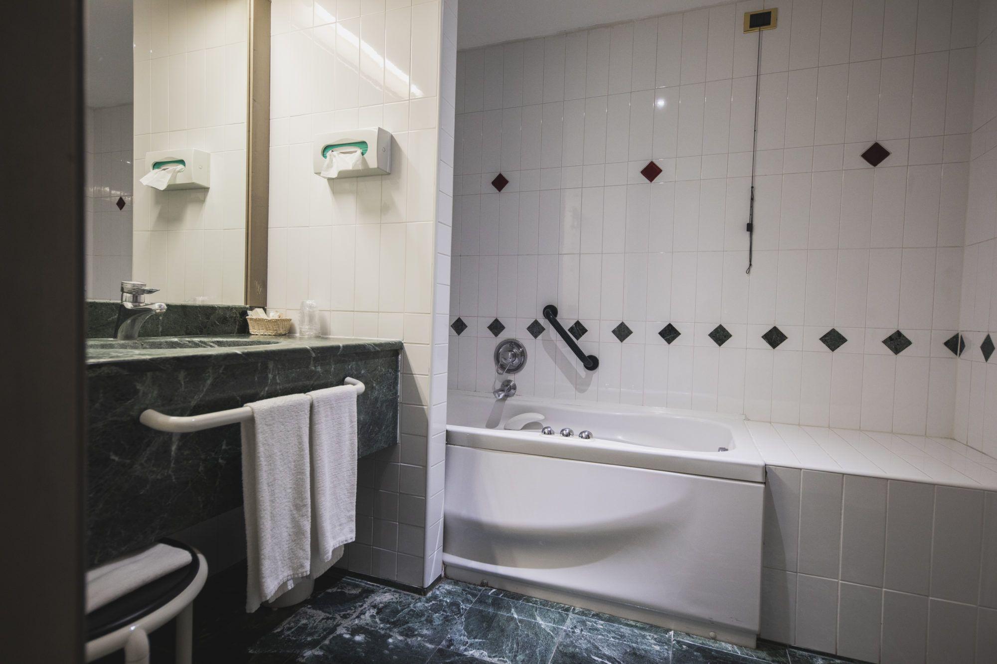 46 Hotel Rubino - Bathroom