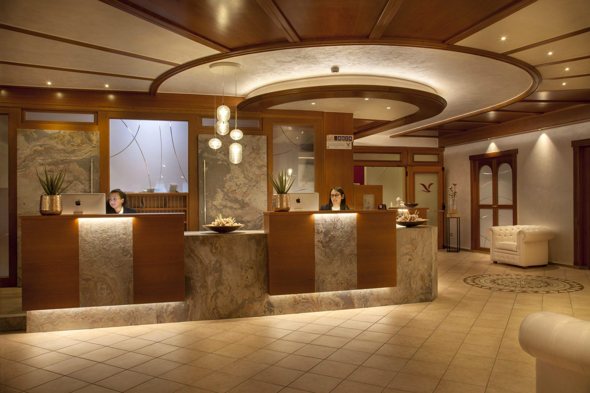 3 - Reception & Hall