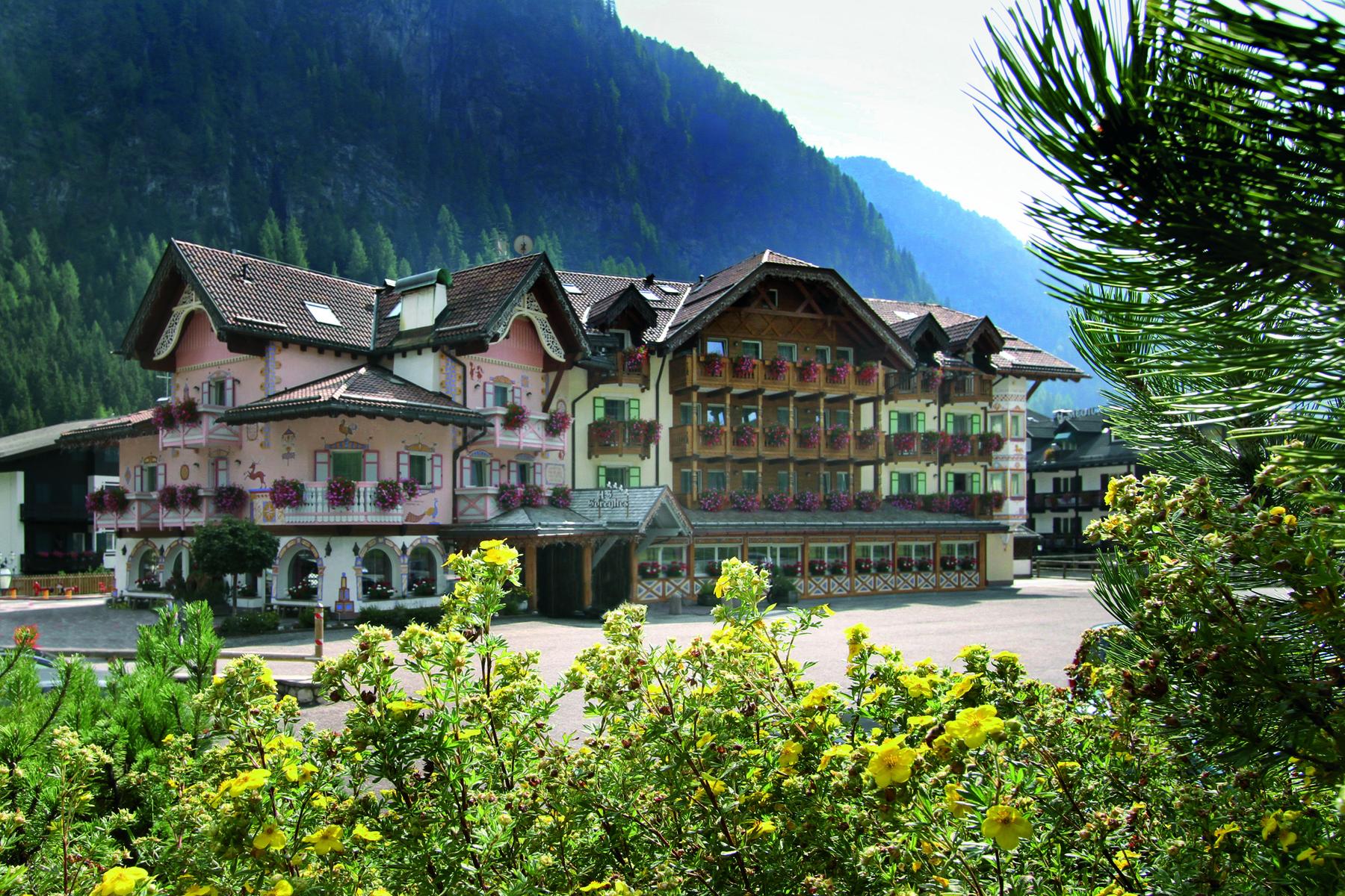 2 Hotel Soreghes esterna estare